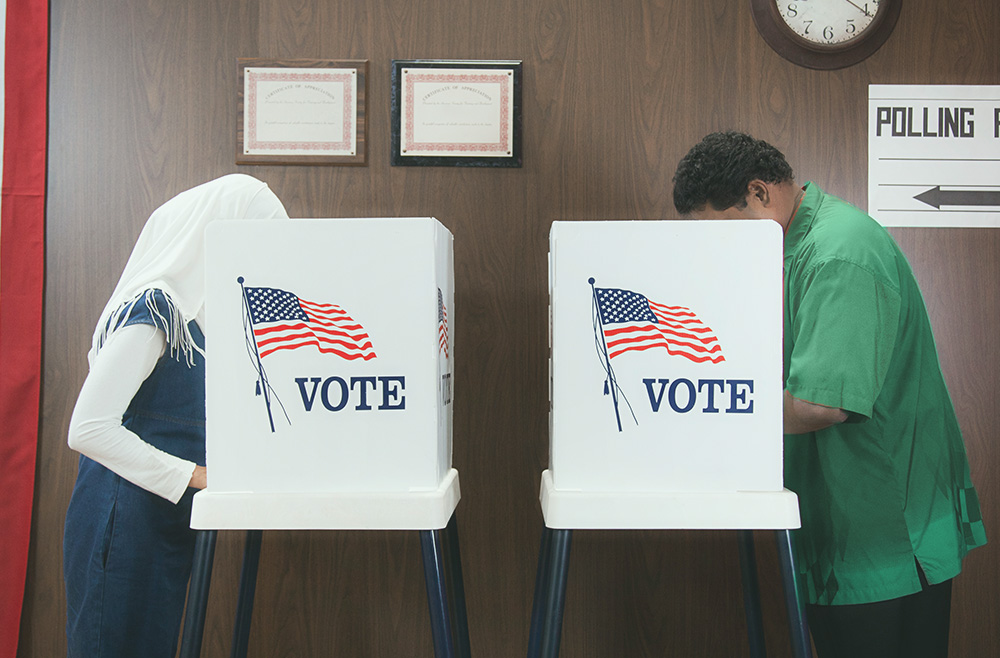 Image showing voters to accompany article on ballot measures